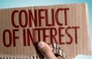 Amerykański rząd krytykuje ICANN. Dostrzegł konflikt interesów w zatrudnieniu Atallaha przez Donuts